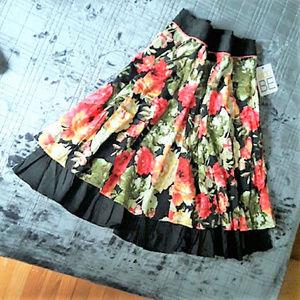 Modcloth Skirts - NWT! MODCLOTH layered rose print swing skirt, sz L